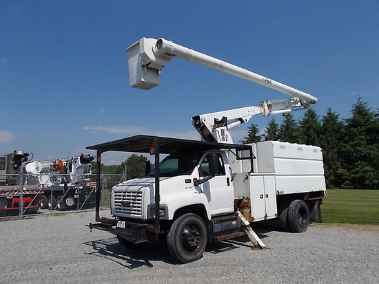 (Ashland, OH) Altec LRV-55, Over-Center Bucket Truck mounted behind cab on 2006 GMC C7500 Chipper Du