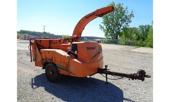 Fort Wayne, IN) 2006 Vermeer BC1000XL Chipper (12