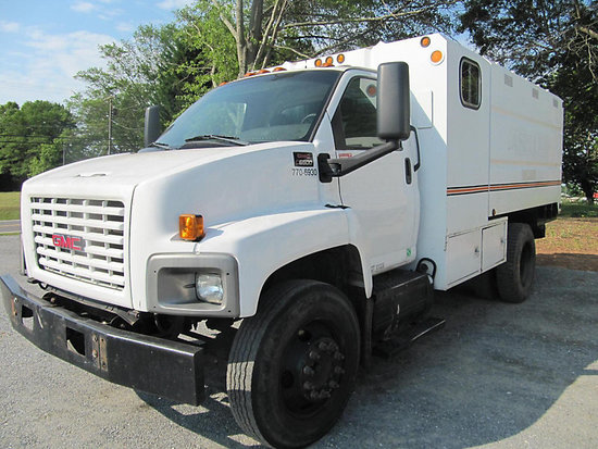 (Shelby, NC) 2006 GMC C6500 Chipper Dump Truck starts, runs, and moves