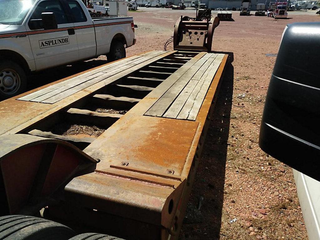(Graysville, AL) 2001 Liddell Birmingham C50A Tri-Axle Hydraulic Ground Bearing Detachable Gooseneck