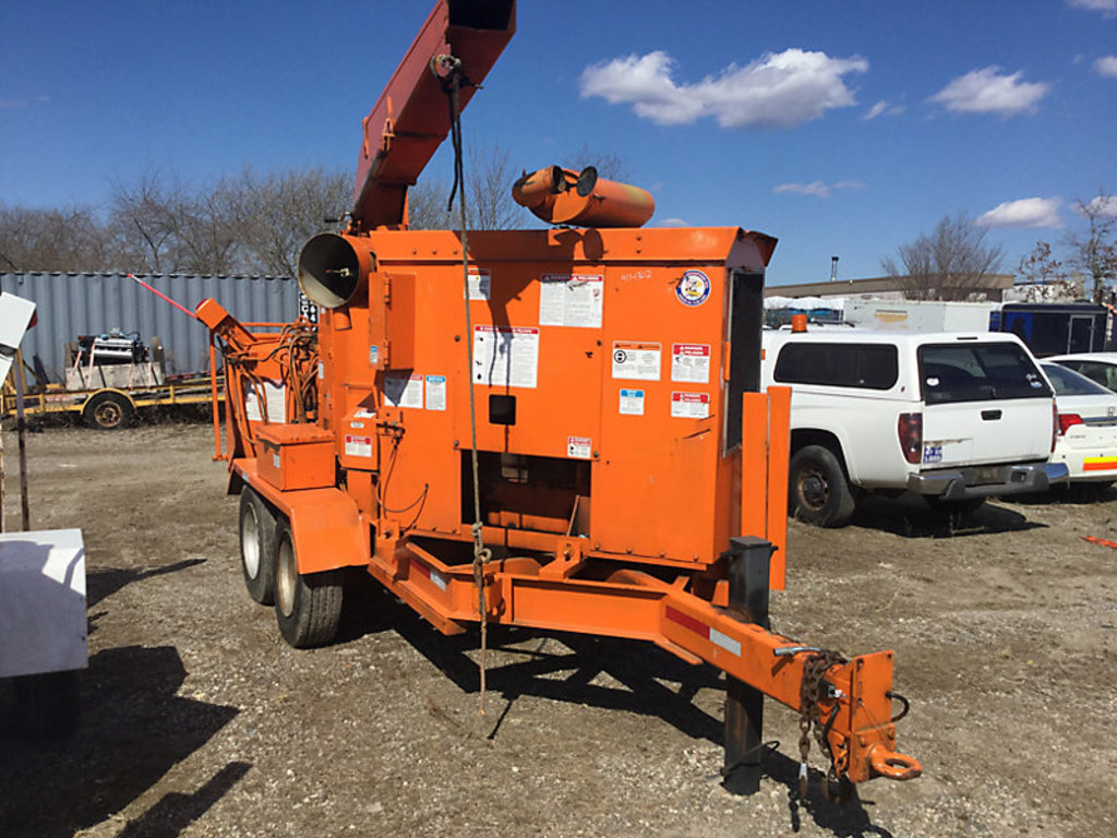 "(Bellport, NY) 2001 Performance First 280 XP Chipper (12"" Disc), trailer mtd not running, bad engine"