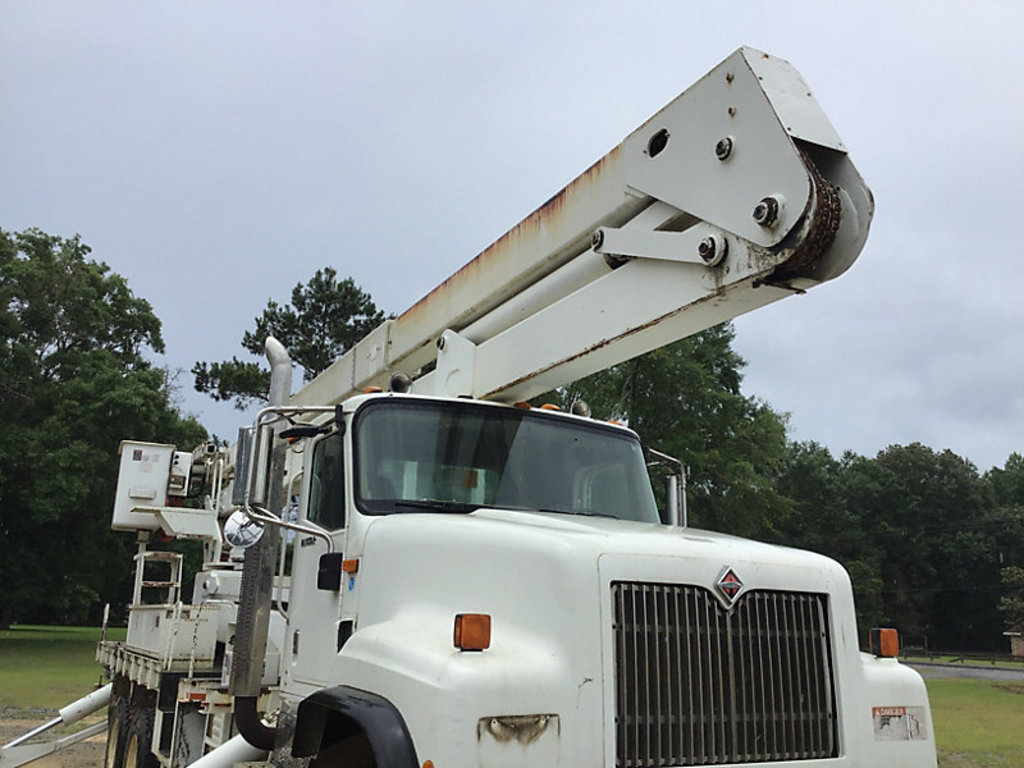 Lot: (Lucedale, MS) Lift-All LM75/90-2MS, Material Handling