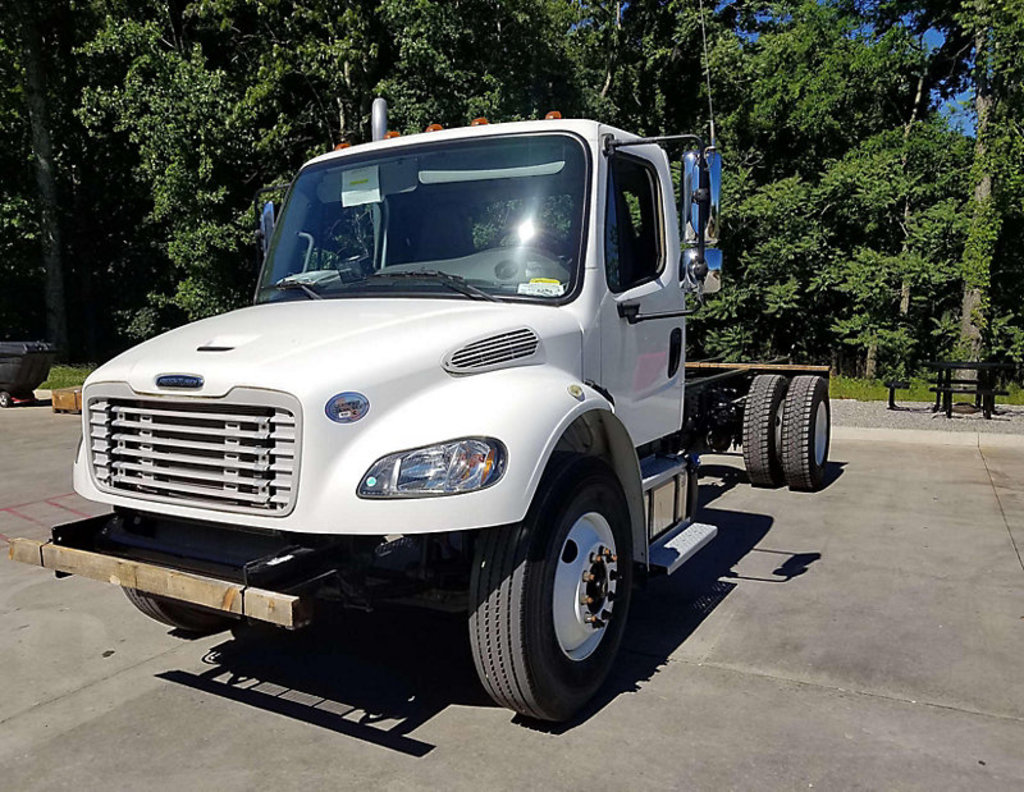 (Daleville, VA) 2017 Freightliner M2 106 Cab & Chassis runs and drives