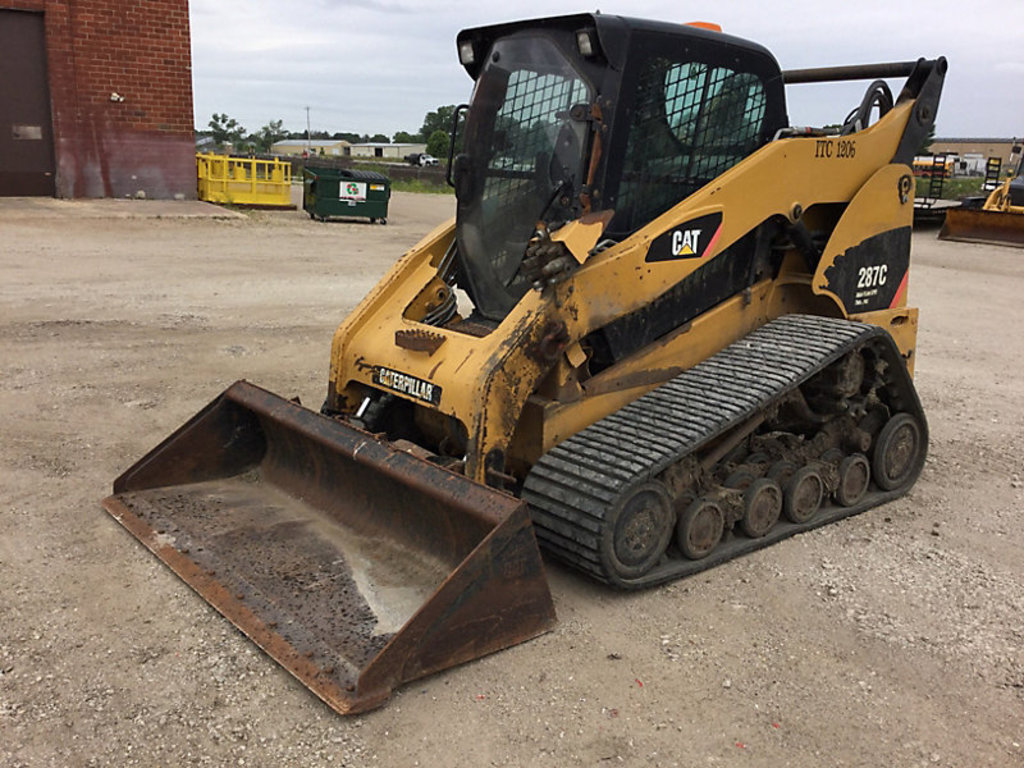 (Des Moines, IA) 2010 Caterpillar 287C Crawler Skid Steer Loader machine has problems with loader co