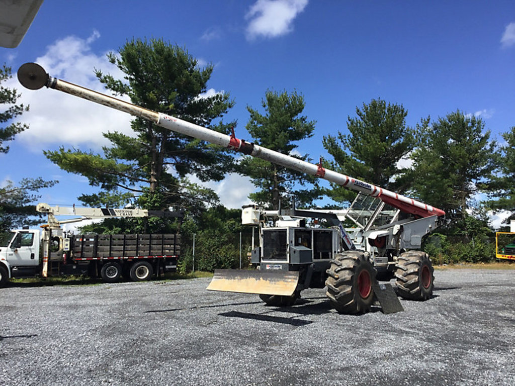 (Frederick, MD) 2012 Kershaw SkyTrim 75G2, 75' Articulating Rubber Tired Tree Saw starts, runs, and