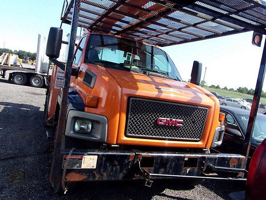 (Ashland, OH) Altec LRV-57RM, Over-Center Bucket Truck rear mounted on 2008 GMC C7500 Flatbed/Utilit