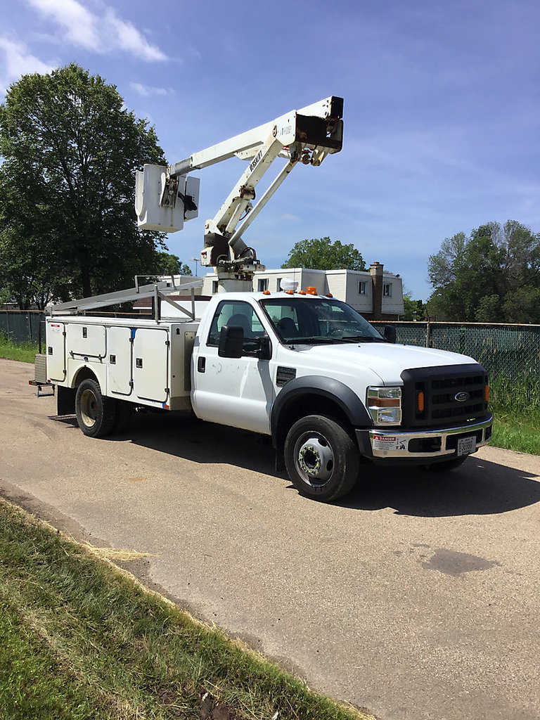 (Neenah, WI) Versalift SST37ENH, Articulating & Telescopic Non-Insulated Bucket Truck mounted behind