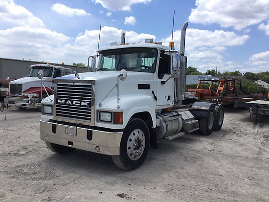 Decatur, IL) 2006 Mack CHN613 T/A Truck Tractor Starts, runs