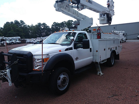 (Graysville, AL) Altec AT40-MH, Articulating & Telescopic Material Handling Bucket Truck mounted beh