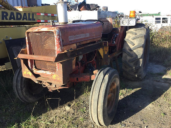 1977 International 574 Utility Tractor Not running, condition unknown
