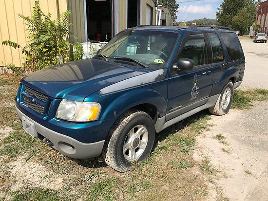 2001 Ford Explorer 4x4 4-Door Sport Utility Vehicle frame rust, not running, bad fuel pump, no keys