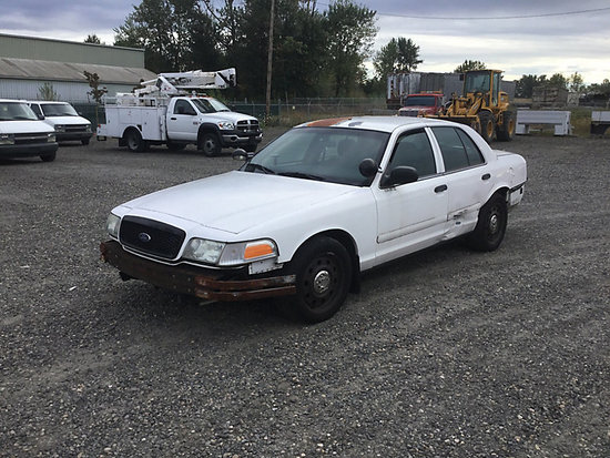 2006 Ford Crown Victoria 4-Door Sedan, Former Police Vehicle engine starts and runs, drive train ope