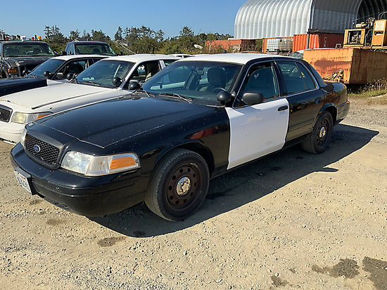 2011 Ford Crown Victoria 4-Door Sedan, Former police vehicle Runs and drives