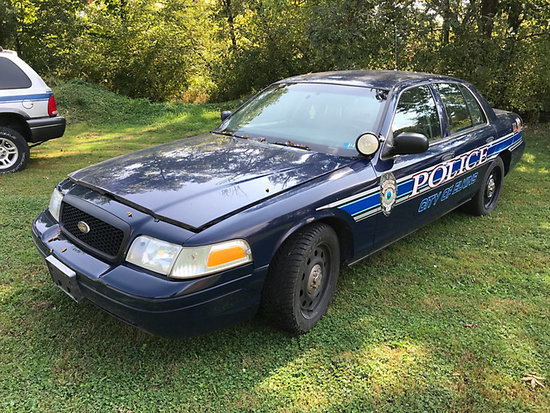 2010 Ford Crown Victoria 4-Door Sedan electrical issues, runs & drives