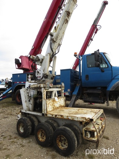 Pitman Panther, 2,500 Lb Back Yard Digger Derrick with 25 ft sheave height,