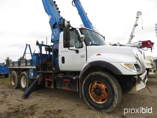 Altec D945-TR, 27,070 Lb Digger Derrick s/n 0105BA4075, with 45 ft sheave h