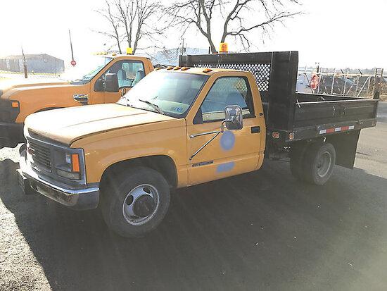 (Allentown, PA) 2000 GMC C3500 Flatbed Truck runs, drives