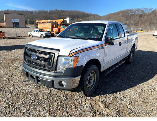 (Smock, PA) 2014 Ford F150 4x4 Extended-Cab Pickup Truck wrecked (roll-over), air bags deployed, bad