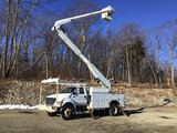 (Shrewsbury, MA) Altec AA755L, Material Handling Bucket Truck rear mounted on 2001 Ford F750 Utility