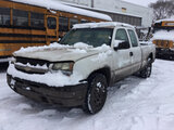 (East Chicago, IN) 2005 Chevrolet K1500 4x4 Extended-Cab Pickup Truck runs & drives, low brakes