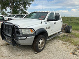 (Kansas City, MO) 2015 Ram W5500 4x4 Crew-Cab Chassis Starts with jump, runs and drives. Drive shaft