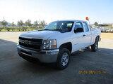(Houston, TX) 2012 Chevrolet C2500HD Extended-Cab Pickup Truck runs, drives, cracked windshield, min
