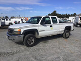 (Chester, VA) 2004 GMC C2500HD Extended-Cab Pickup Truck runs and drives, check engine light on, par