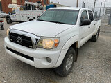 (Joplin, MO) 2011 Toyota Tacoma 4x4 Crew-Cab Pickup Truck Runs with jump start, drives, maintenance