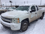 (East Chicago, IN) 2007 Chevrolet C1500 Extended-Cab Pickup Truck runs & drives, body damage