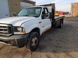 (Hutchinson, KS) 2004 Ford F450 Flatbed Truck runs, drives, minor body damage