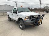 (La Porte, IN) 2004 Ford F350 4x4 Pickup Truck Unit will run, drive, and operate.  Jump start requir