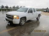 (Houston, TX) 2008 Chevrolet C1500 Extended-Cab Pickup Truck Starts and runs. Drivetrain operates. M
