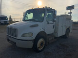 (Wright City, MO) 2005 Freightliner M2 106 Utility Truck Starts with jump, runs, will not switch out