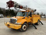 (Joplin, MO) Altec DM47-TR, Digger Derrick rear mounted on 2007 International 4300 Utility Truck run