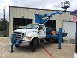 (Houston, TX) Elliott ECH-3-70-H, Telescopic Non-Insulated Sign Crane/Platform Lift mounted behind c