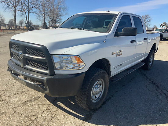 2015 Dodge-RAM W2500HD 4x4 Crew-Cab Pickup Truck runs, drives, minor body damage and paint chipping