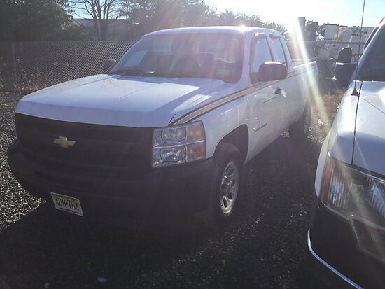 2011 Chevrolet C1500 Extended-Cab Pickup Truck not running, condition unknown