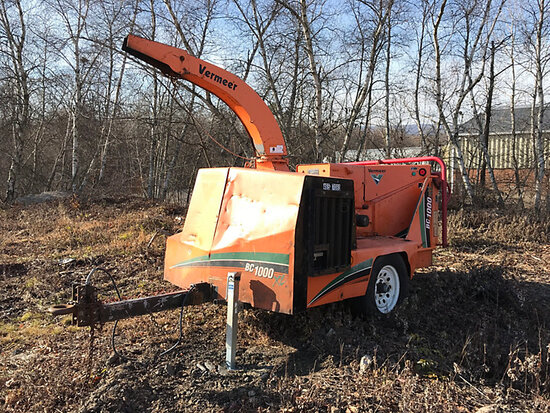 "2007 Vermeer BC1000XL Chipper (12"" Drum) not running, battery cables cut, no key, operating conditio"