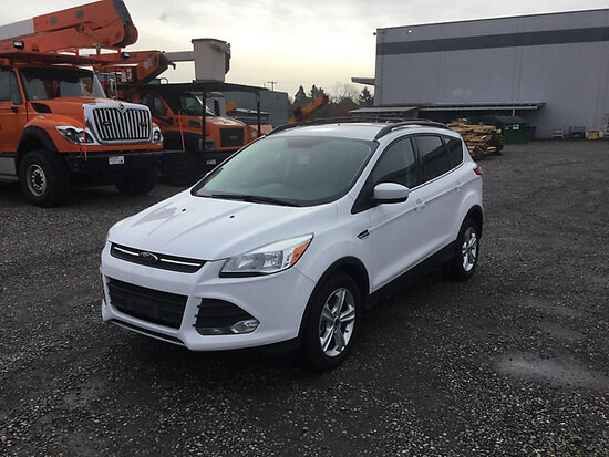 2014 Ford Escape AWD 4-Door Sport Utility Vehicle Engine starts and runs, drive train operates