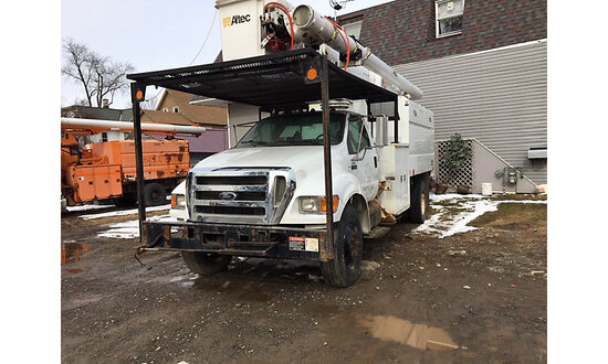 Altec LRV-55, Over-Center Bucket Truck mounted behind cab on 2010 Ford F750 Chipper Dump Truck not r