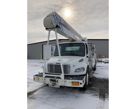 Altec AA600L, Bucket Truck rear mounted on 2011 Freightliner M2 Utility Truck runs & drives, aerial