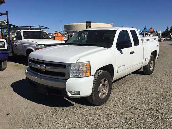 2008 Chevrolet K1500 4x4 Extended-Cab Pickup Truck Runs and drives