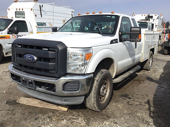 2013 Ford F350 4x4 Extended-Cab Service Truck
