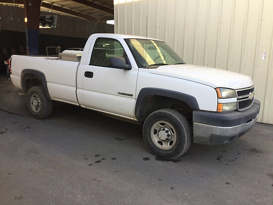 2006 Chevrolet C2500HD Pickup Truck Runs and Drives