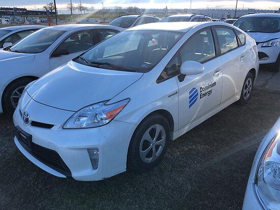 2014 Toyota Prius Hybrid 4-Door Hatch Back