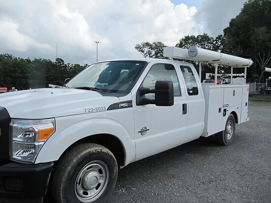 2015 Ford F250 Extended-Cab Service Truck starts, runs & drives, minor body damage