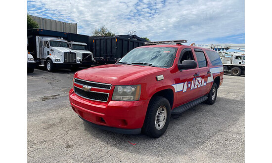 2008 Chevrolet Suburban 4x4 4-Door Sport Utility Vehicle jump to start, runs & drives, body damage
