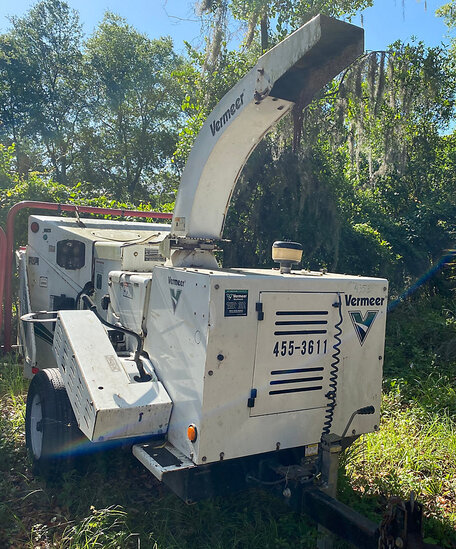 "2013 Vermeer BC1000XL Chipper (12"" Drum), trailer mtd not running, condition unknown, minor body dam"