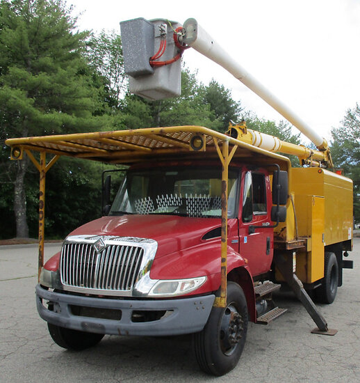 Aerial Lift of CT AL-60/50-5-1L-4H, Over-Center Bucket Truck mounted behind cab on 2008 Internationa