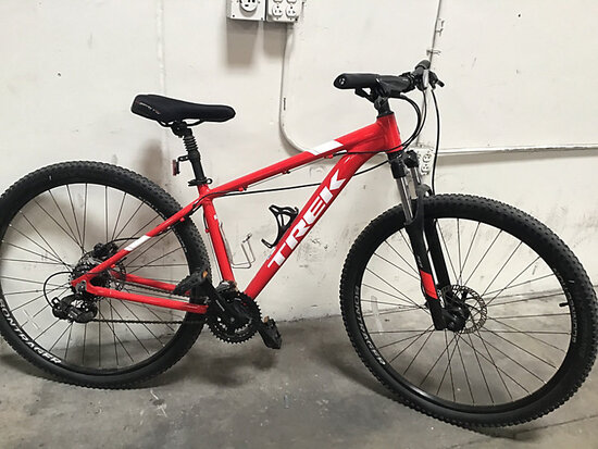 Trek marlin 5 (Used) NOTE: This unit is being sold AS IS/WHERE IS via Timed Auction and is located i